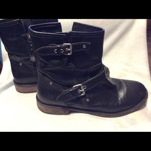 UGG Fabrizia Black Leather Ankle Boots Size 9.5